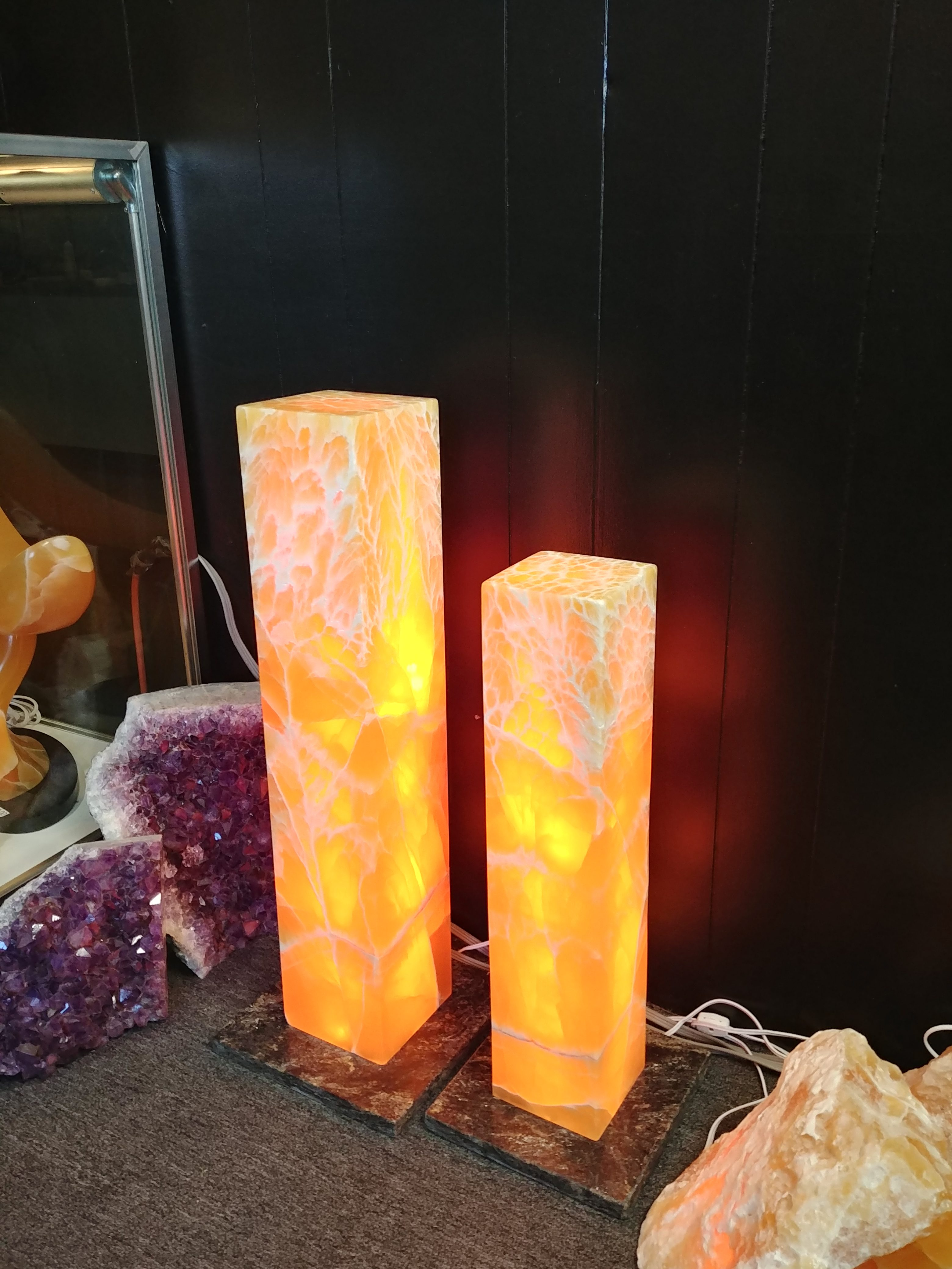 utah honeycomb oynx lighted glow towers